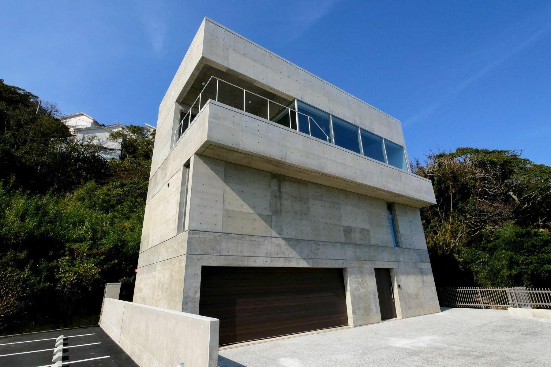 House in Shirahama, Shizuoka, Japan 1