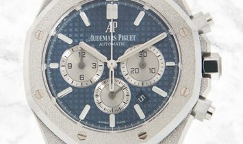 Audemars Piguet 26331BC.GG.1224BC.02 Royal Oak Frosted 18K White Gold Blue Dial