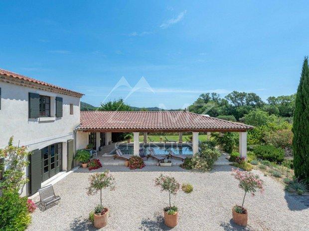 House in Fontvieille, Provence-Alpes-Côte d'Azur, France 1