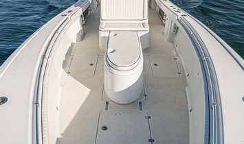 """CAN'T TOUCH THIS 34' 8"""" (10.57m) Yellowfin 2014"""