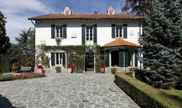 Villa in Guello, Lombardy, Italy 1