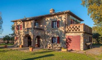 Фермерское ранчо в Кортона, Тоскана, Италия 1