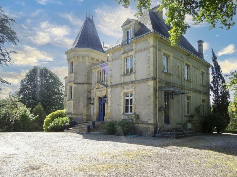 Chateau in Saint-Laurent-des-Vignes, Nouvelle-Aquitaine, France 1