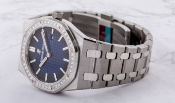 Audemars Piguet 67651IP.ZZ.1261IP.01 Royal Oak Quartz Titanium Smoked Blue Dial