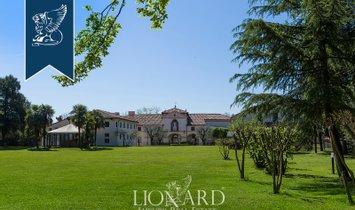 Villa in Rosà, Veneto, Italy 1