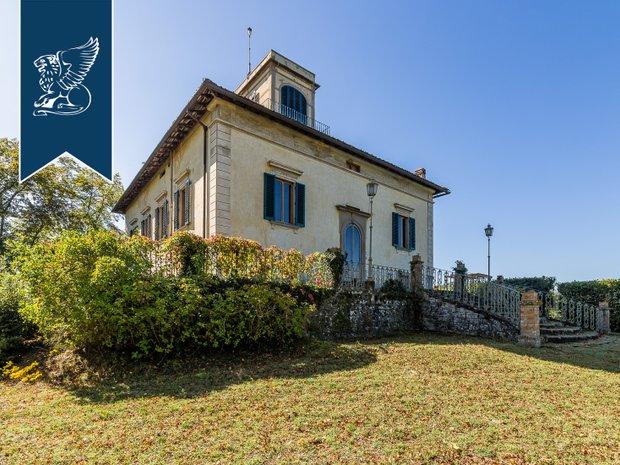 Villa in Borgo San Lorenzo, Tuscany, Italy 1
