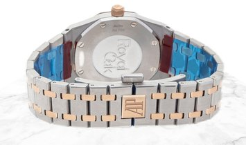 Audemars Piguet 67651SR.ZZ.1261SR.01 Royal Oak Quartz Stainless Steel Silver Toned Dial