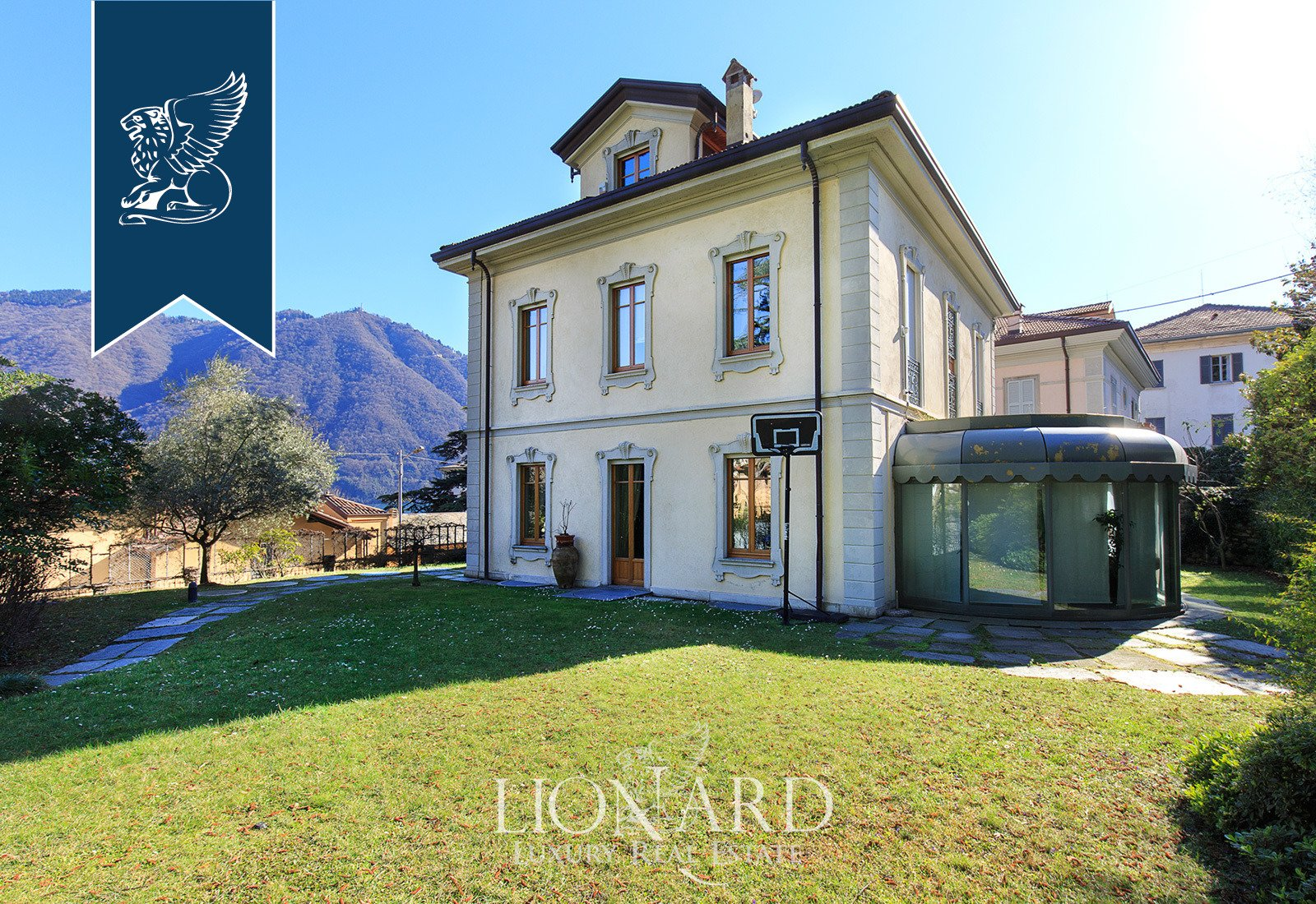 Villa in Cernobbio, Lombardy, Italy 1 - 10918466