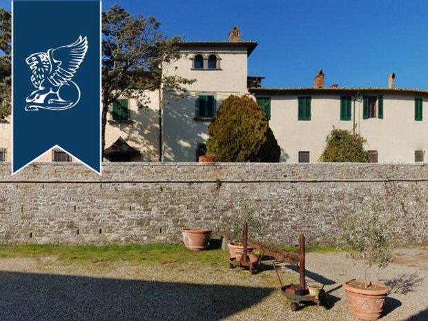 Villa in Lucolena in Chianti, Tuscany, Italy 1