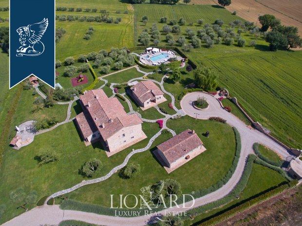 Villa in Cortona, Tuscany, Italy 1