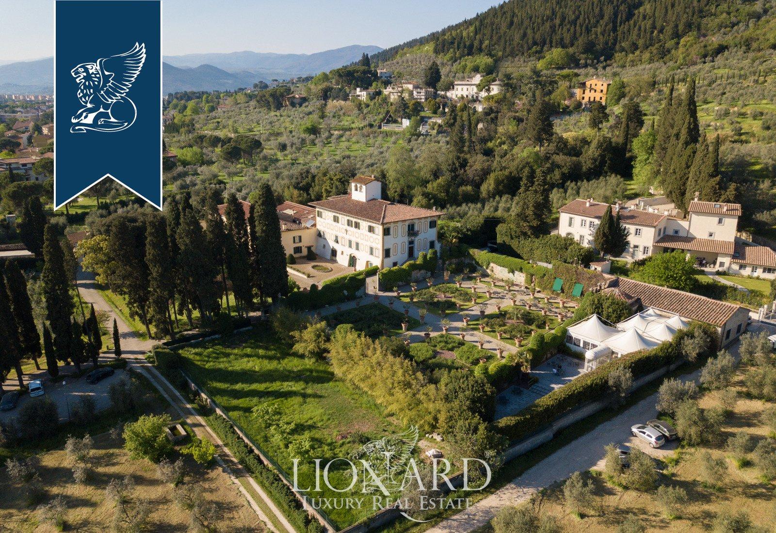 Villa in Prato, Tuscany, Italy 1