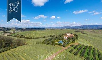 Villa in Spicchio-Sovigliana, Tuscany, Italy 1