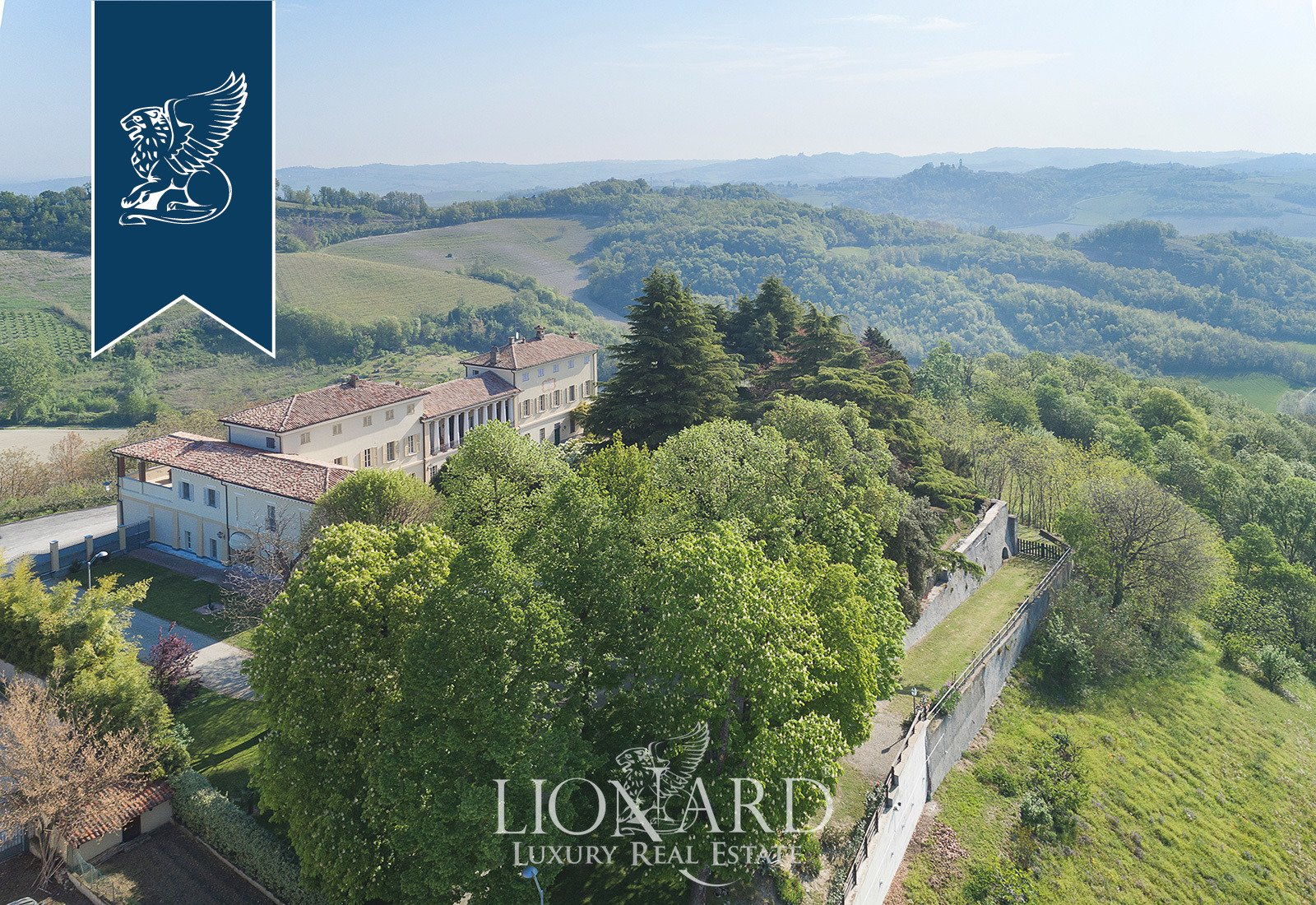 Villa in Ponzano Monferrato, Piedmont, Italy 1