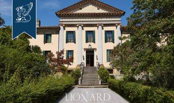 Villa in Abano Terme, Veneto, Italy 1