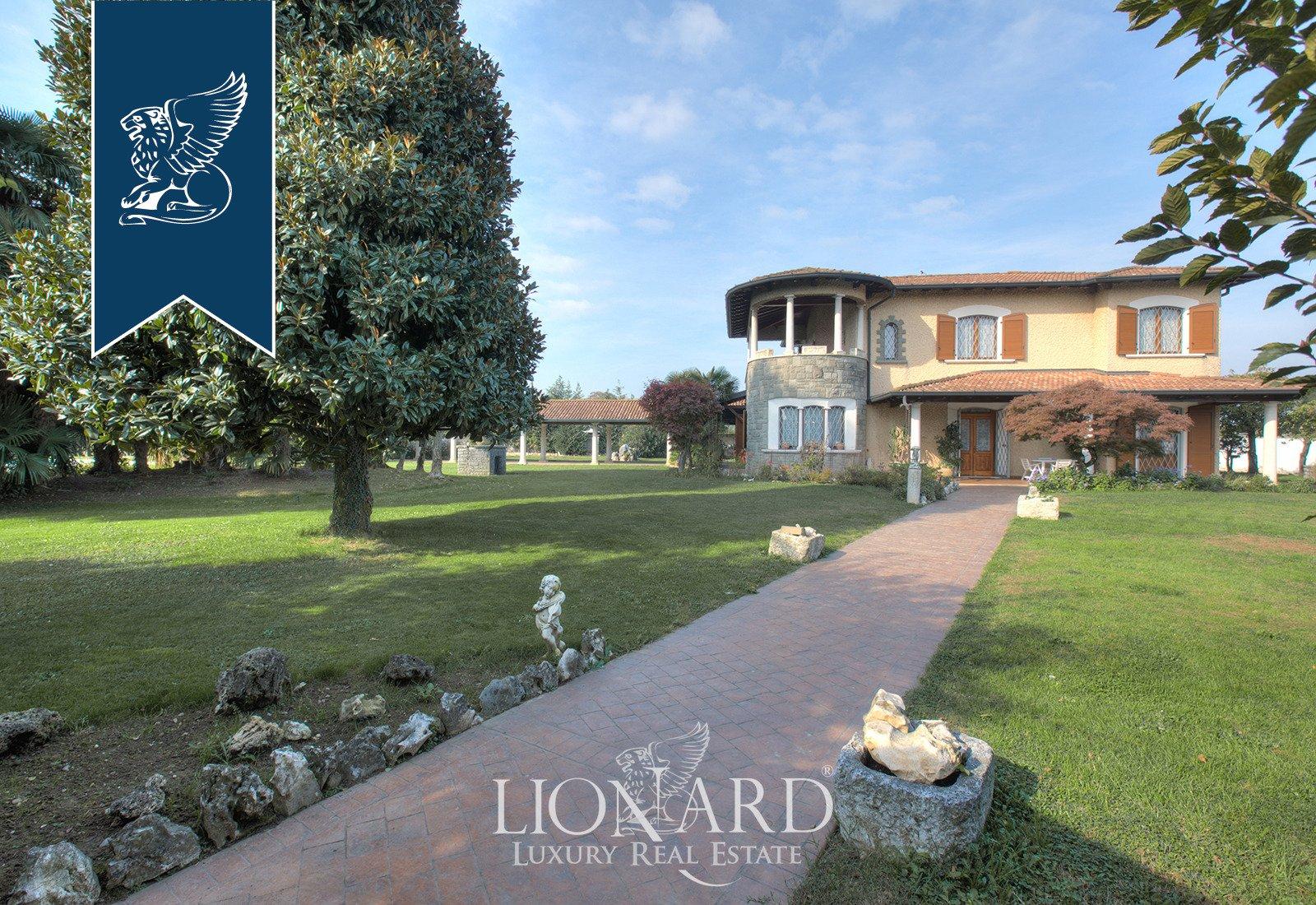 Villa in Ludriano, Lombardy, Italy 1