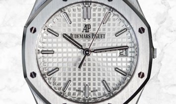 Audemars Piguet Royal Oak 77350ST.OO.1261ST.01 Stainless Steel Silver Toned Dial