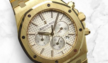 Audemars Piguet 26320BA.OO.1220BA.01 Royal Oak Chronograph 18K Yellow Gold Silver Toned Dial