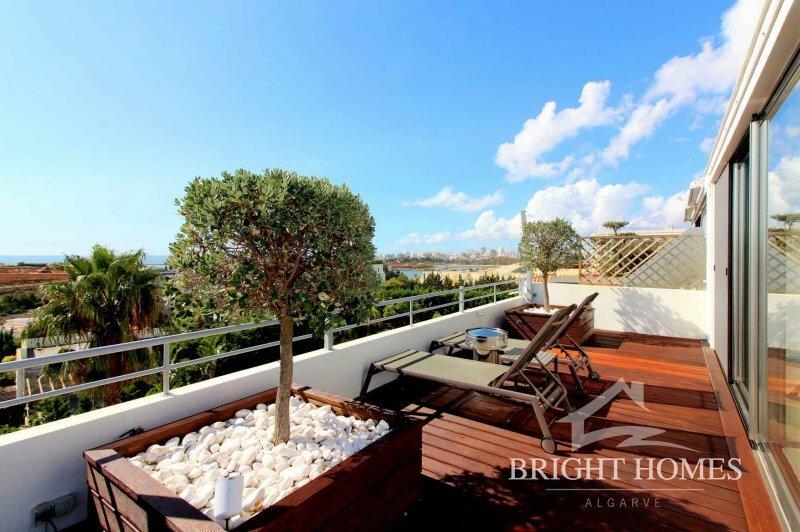 Penthouse in Ferragudo, Algarve, Portugal 1