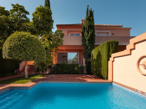 Chalet in Marbella, Andalusia, Spain 1