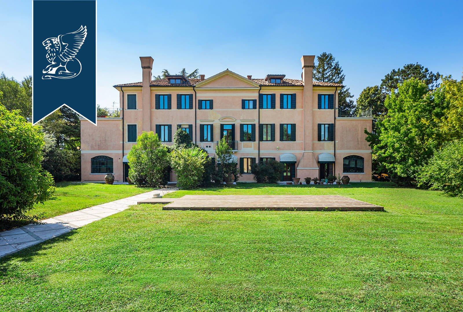 Villa in Treviso, Veneto, Italy 1
