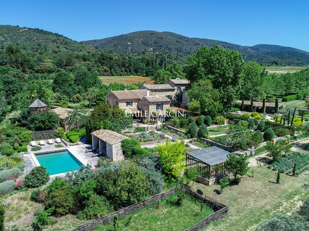 Estate in Lourmarin, Provence-Alpes-Côte d'Azur, France 1