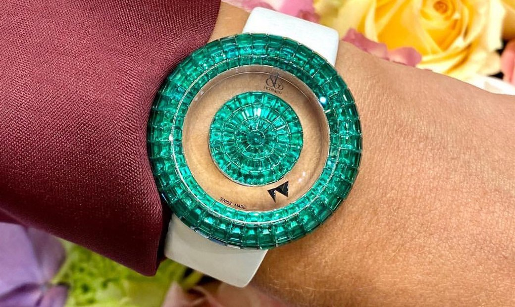 Jacob & Co. 捷克豹 [NEW] Brilliant Mystery Baguette 38mm Emerald BM526.30.BE.BE.A