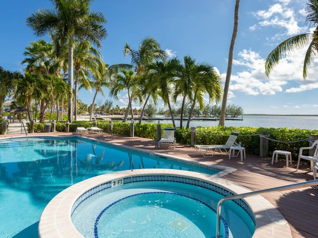 Condo in Rum Point, North Side, Cayman Islands 1