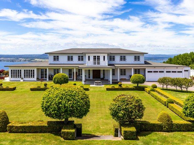 House in Acacia Bay, Waikato, New Zealand 1
