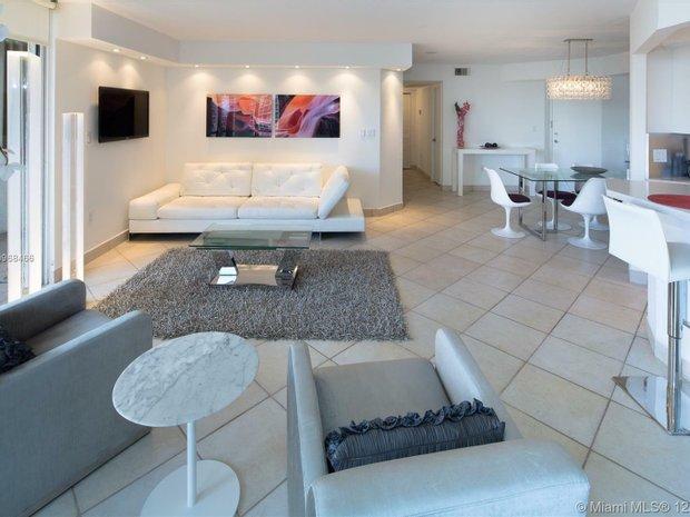 Apartment in Golden Beach, Florida, United States 1