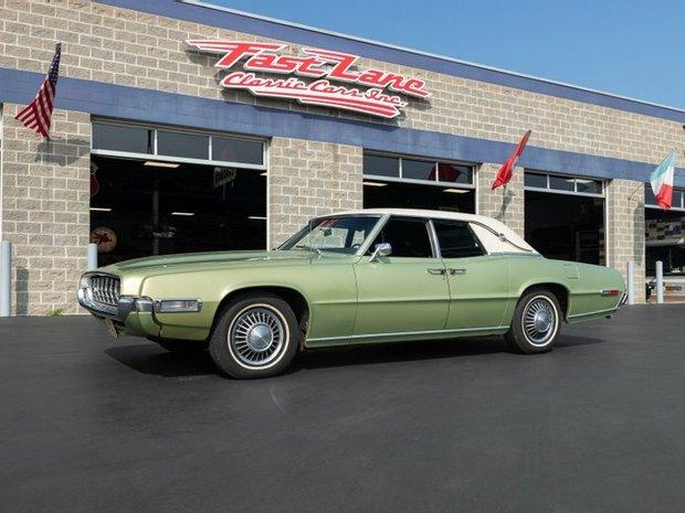 Sedan in Saint Charles, Missouri, United States 1