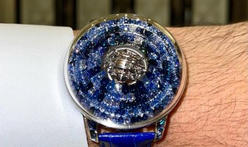Jacob & Co. 捷克豹 [NEW] The Mystery Tourbillon Blue Sapphires SN800.30.CB.CB.A