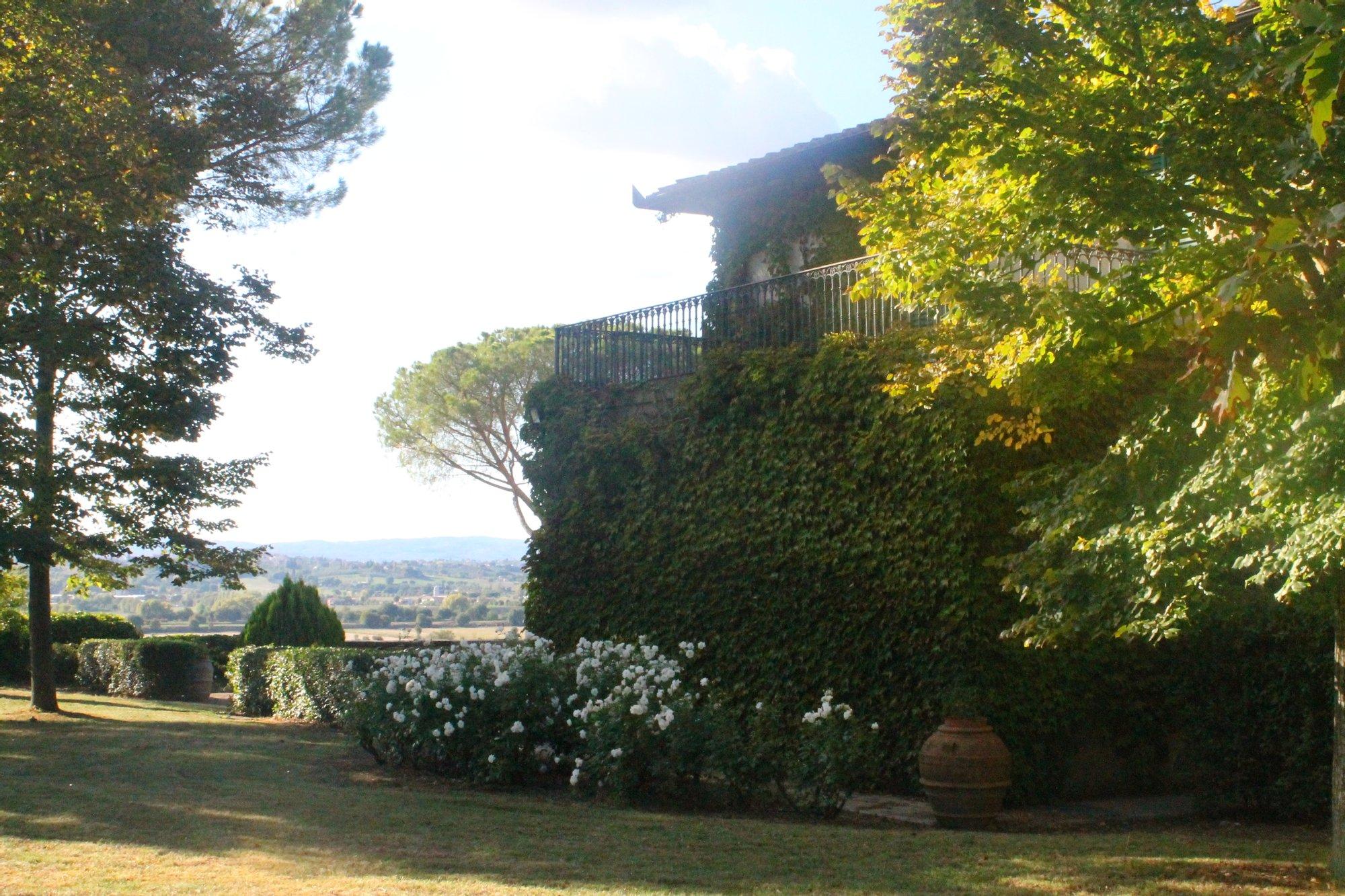 Villa in Castiglion Fiorentino, Tuscany, Italy 1