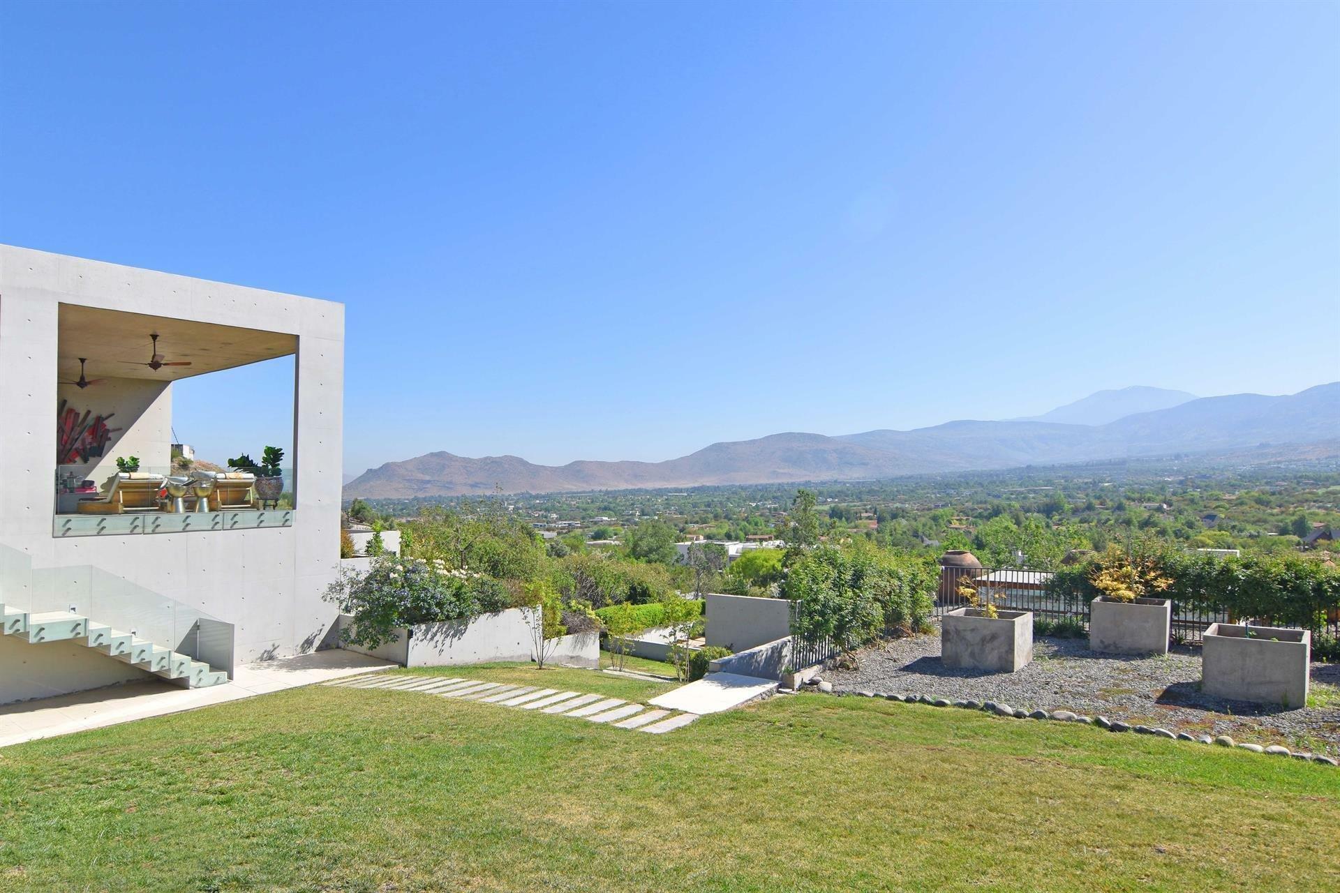 House in Santiago Metropolitan Region, Chile 1