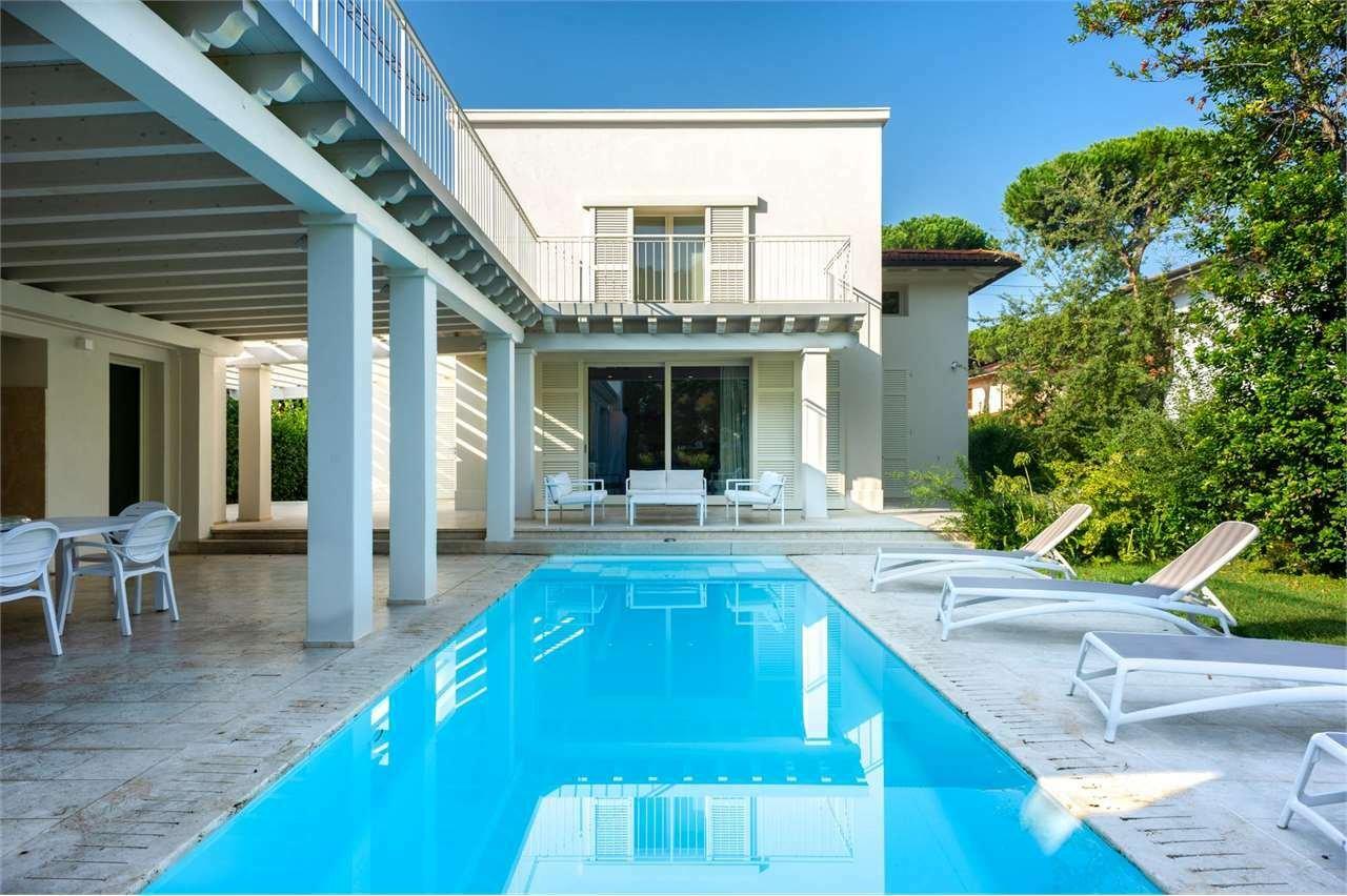 Villa in Pietrasanta, Tuscany, Italy 1 - 11253898