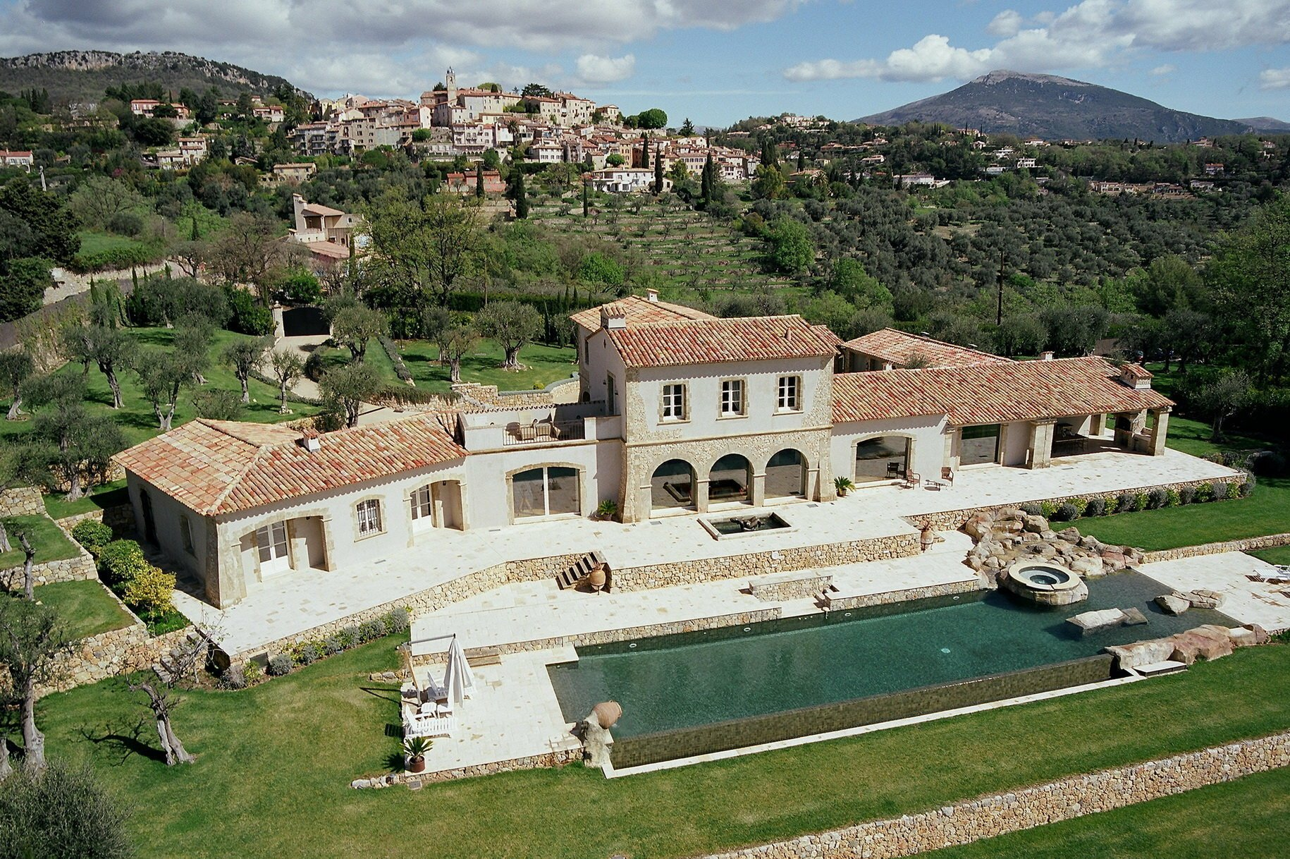 House in Châteauneuf, Provence-Alpes-Côte d'Azur, France 1