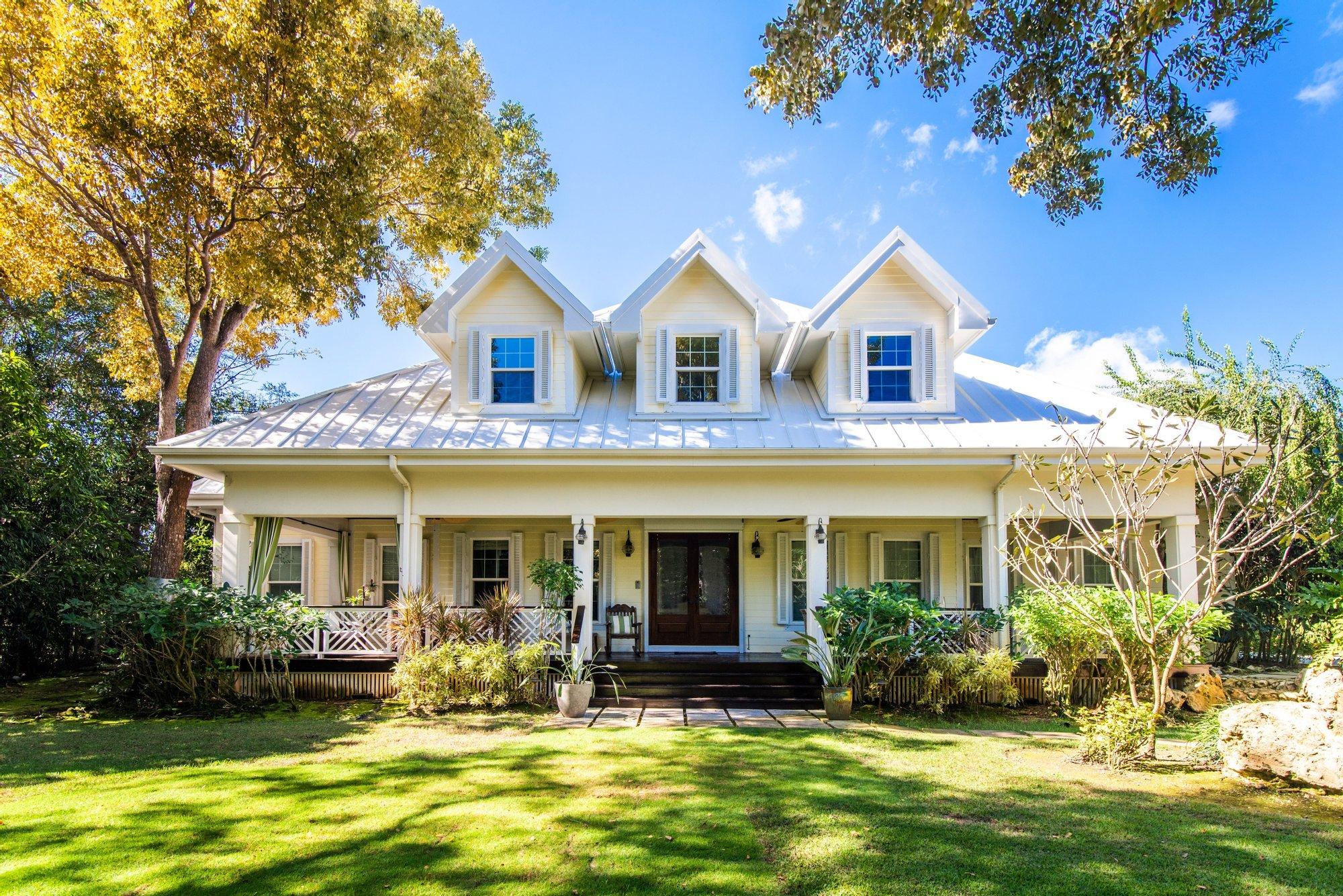 House in Savannah, Bodden Town, Cayman Islands 1