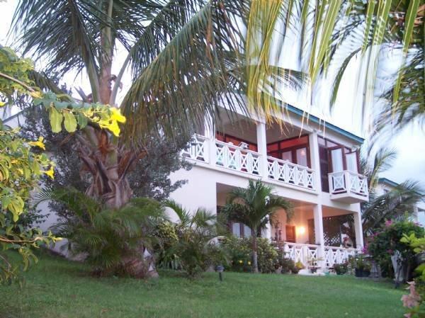 House in Saint Peter Basseterre Parish, Saint Kitts and Nevis 1