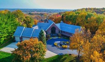 House in Chanhassen, Minnesota, United States 1