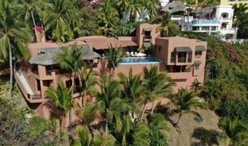 House in Manzanillo, Colima, Mexico 1
