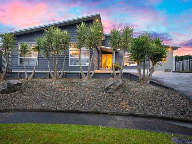 House in Kelvin Grove, Manawatu-Wanganui, New Zealand 1