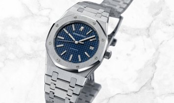 Audemars Piguet 15300ST.OO.1220ST.02 Royal Oak Self Winding Stainless Steel Blue Coloured Dial
