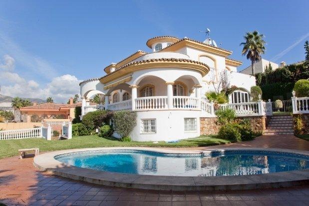 Villa in Benalmádena, Andalusia, Spain 1 - 11269421