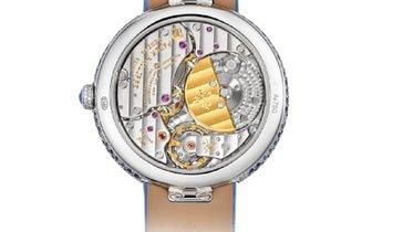 Patek Philippe Calatrava Mother of Pearl Sapphire 18k Gold Dial Watch 4899/901G-001