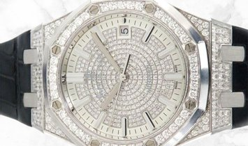 Audemars Piguet 15452BC.ZZ.D019CR.01 Royal Oak Selfwinding 18K White Gold Diamond-paved Dial