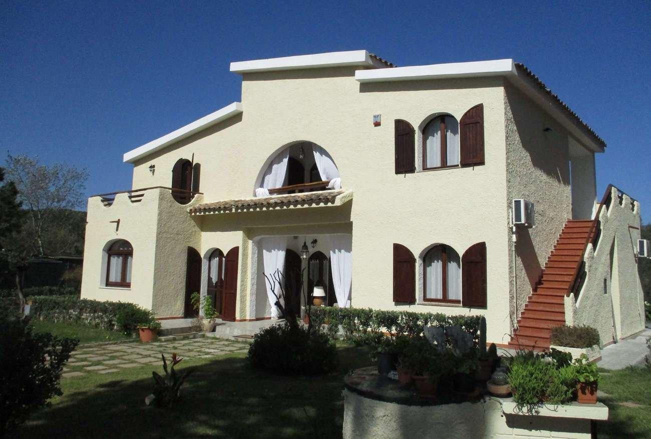 Villa in Pula, Sardinia, Italy 1 - 11274536