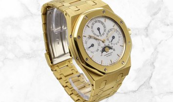 Audemars Piguet 25820BA.OO.0944BA.02 Royal Oak Perpetual Calendar 18K Yellow Gold Silvered Dial