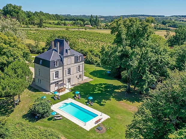 Chateau in Bergerac, Nouvelle-Aquitaine, France 1