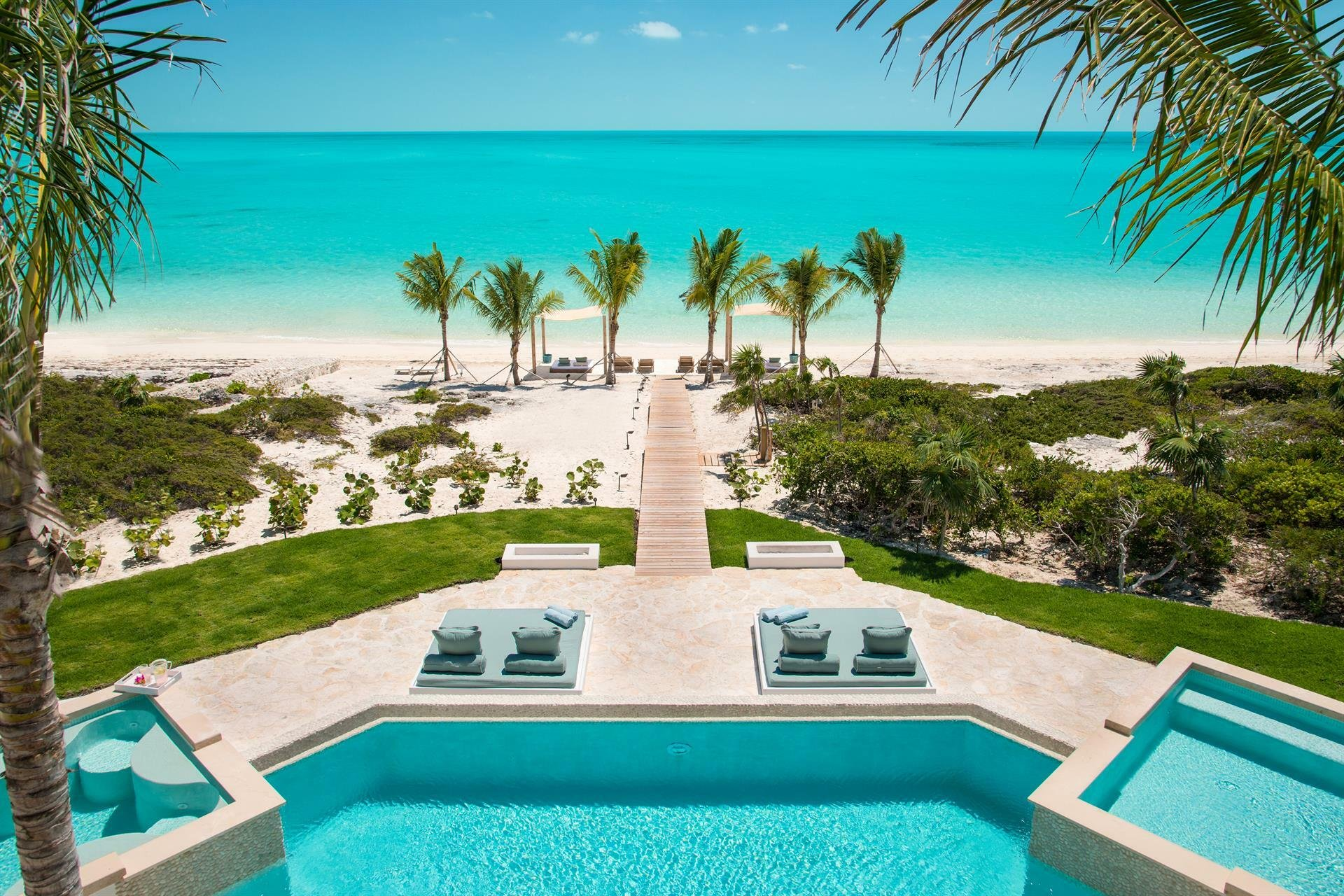 House in Long Bay Hills, Turks and Caicos Islands 1