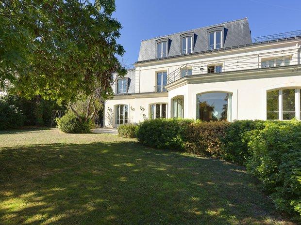 House in Saint-Cloud, Île-de-France, France 1