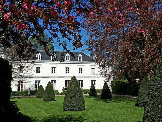 House in Fontainebleau, Île-de-France, France 1